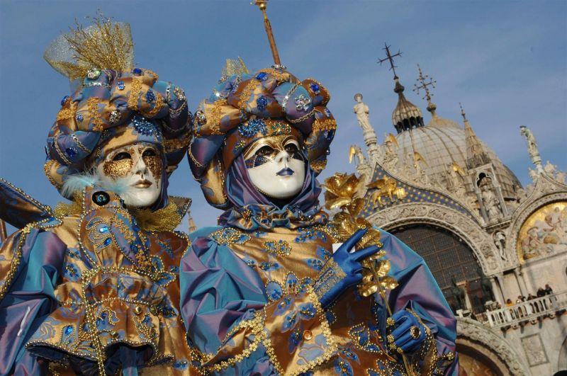 venedik-karnavali-festival.jpg